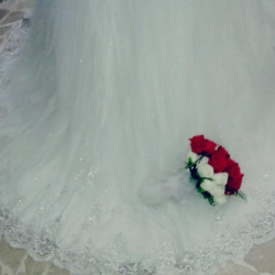 الأمل لتأجير الفساتين-فستان الزفاف-المنامة-4