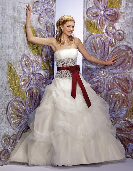 دافوديل للأزياء - فستان الزفاف - أبوظبي