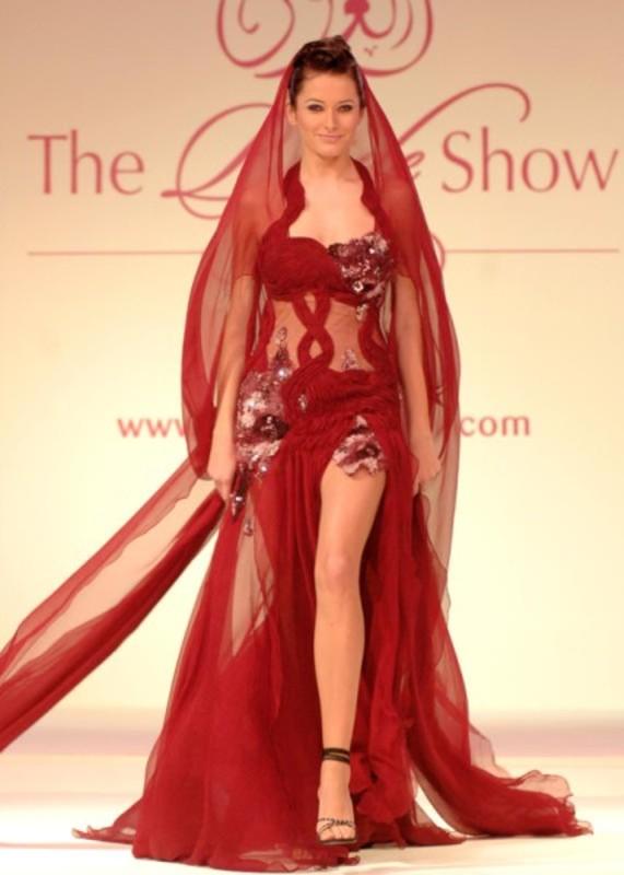 أزياء قصر الملكة - فساتين سهرة وخطوبة - أبوظبي