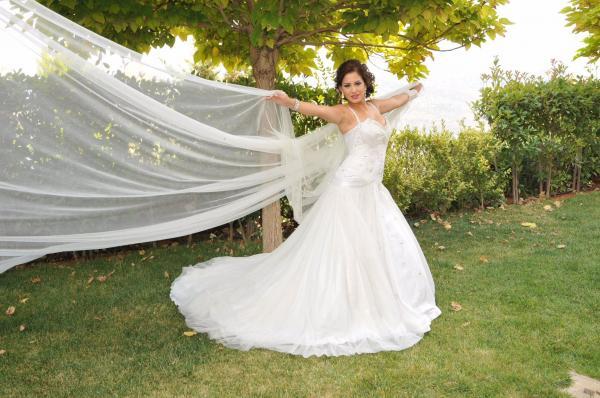 دومينيك فياض - فستان الزفاف - بيروت