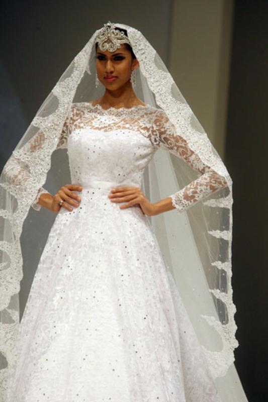 غاناتي كوتور - فستان الزفاف - دبي