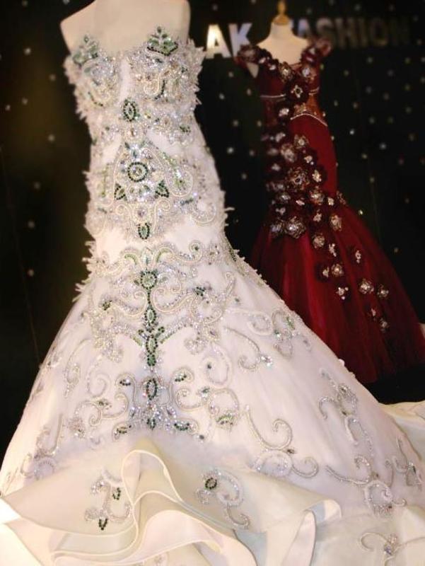 ملك فاشن - فستان الزفاف - الشارقة