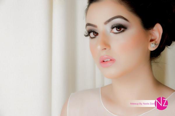 خبيرة المكياج ناديا زيد - الشعر والمكياج - المنامة