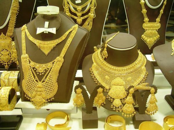 بيور جولد - خواتم ومجوهرات الزفاف - الشارقة