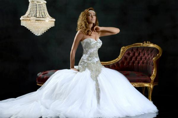 المصمم هيلا حناشي - فستان الزفاف - مدينة تونس