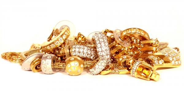 ميا مودا للاحجار الكريمة - خواتم ومجوهرات الزفاف - المنامة