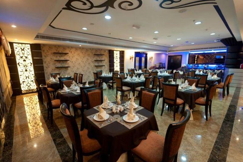 فندق رويال غراند - الفنادق - الشارقة