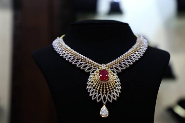 جوي الوكاس - خواتم ومجوهرات الزفاف - مدينة الكويت