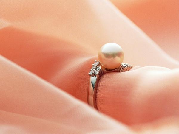 مركز البحرين للمجوهرات - خواتم ومجوهرات الزفاف - المنامة