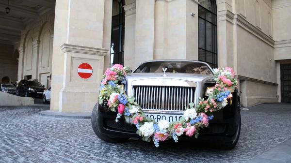 مجموعة سي دبليو - سيارة الزفة - دبي