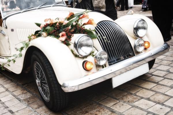 افينتادور - سيارة الزفة - دبي