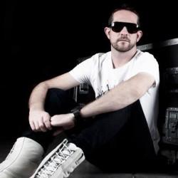كريس راينر-زفات و دي جي-دبي-1
